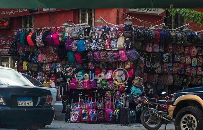 """بالصور- تعرف على أسعار """"شنط المدارس"""" في بعض الأسواق"""