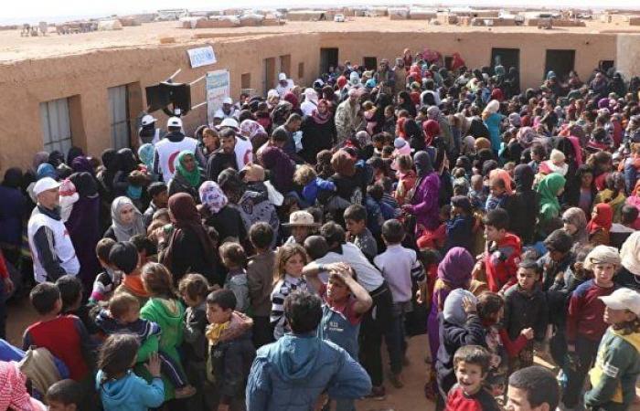 الحكومة السورية بالتعاون مع روسيا تقرر فتح ممرين إنسانيين لخروج اللاجئين من مخيم الركبان
