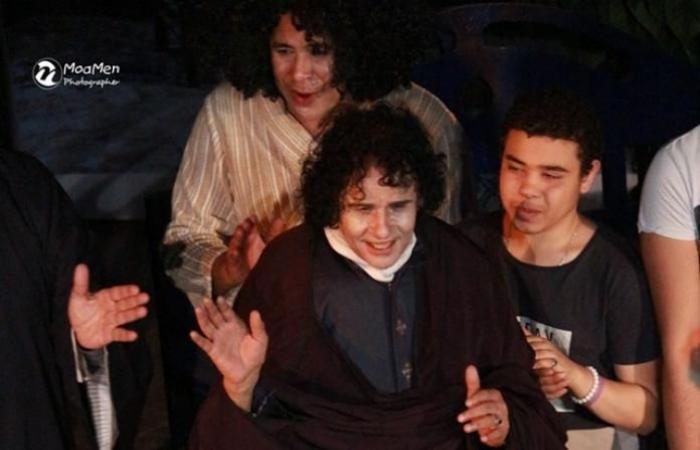 بالصور .. «بن رضوان» يعيد «علي حميدة» للأضواء على مسرح الهوسابير