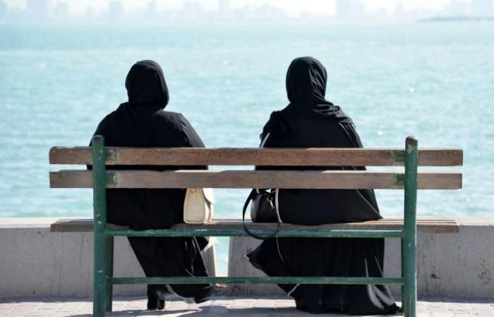 """وسط محاولات متكررة لتوفيق أوضاعهم... """"البدون"""" أزمة كويتية تبحث عن حل"""