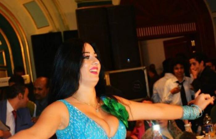 بالصور.. الراقصة المثيرة صافيناز فى حفلة خاصة تلهب مشاعر الحضور