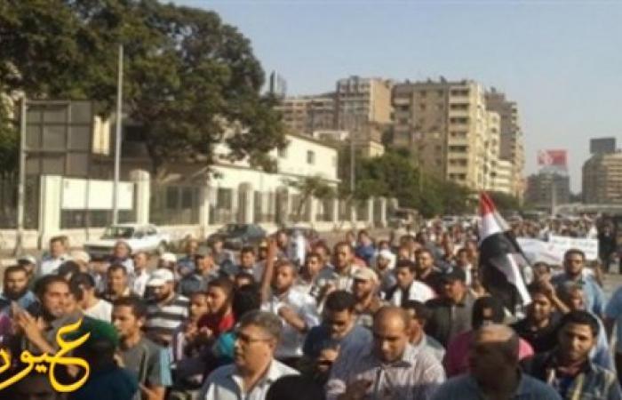 """مجهولان يستقلان دراجة نارية يطلقان النار أمام مسجد """"الحصري"""" بأكتوبر.. ومواطن يضبطهما بعد صدمهما بسيارته"""