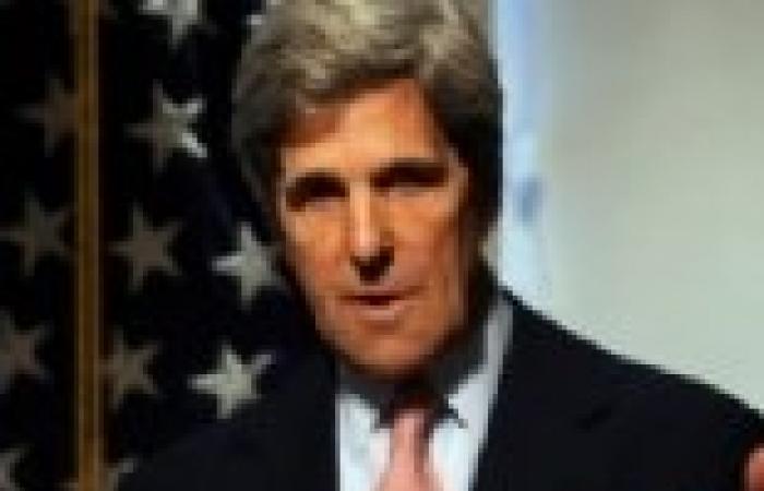 كيري يتهم الإيرانيين وعناصر حزب الله بالقتال في بسوريا