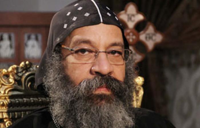 الأنبا رافائيل يغادر القاهرة للقاء أقباط المهجر بالولايات المتحدة