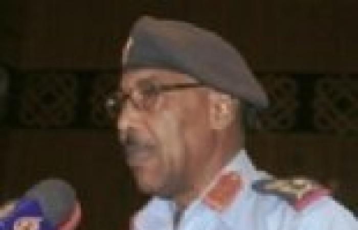 """وزير الدفاع السوداني: """"التمرد"""" يتلقى دعما كبيرا من الخارج لإسقاط الحكومة"""