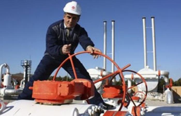 استئناف ضخ النفط لمرفأ الزويتينة الليبى بعد اتفاق مع المحتجين