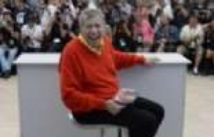 بالصور| الكوميديان جيري لويس يتألق خلال جلسة تصوير فيلم Max Rose