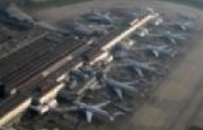 """إغلاق مطار """"هيثرو"""" في لندن بعد هبوط طائرة تابعة للخطوط البريطانية اضطراريا"""