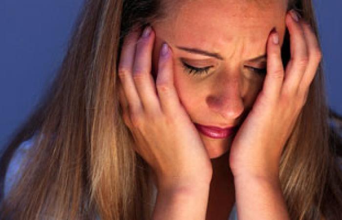 المرأة أكثر عرضة للإصابة بمشكلات نفسية مقارنة بالرجل