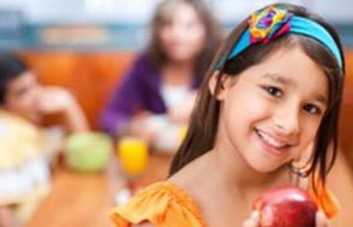 قضم التفاح بصفة دورية يساعد على تقوية عظام المرأة