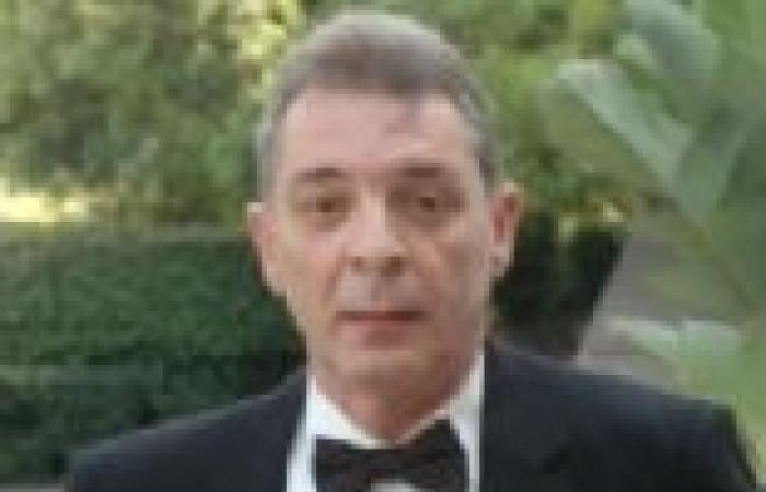 """محمود حميدة يواصل """"ميراث الريح"""" بمستشفي باكتوبر"""