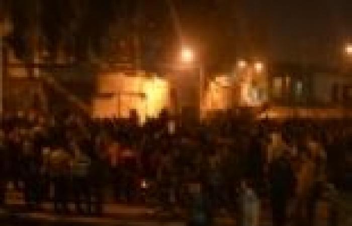 العشرات يقطعون السكك الحديدية بالأقصر احتجاجا على تقاعس الأمن في استعادة طفل مخطوف