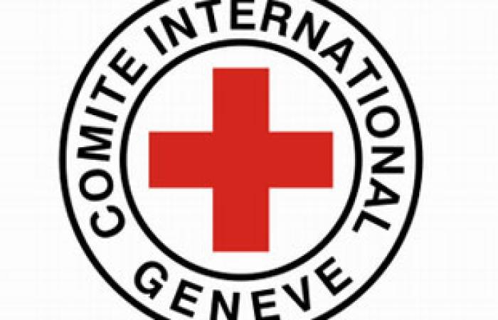 اعتصام أمام مقر الصليب الأحمر الدولى بالخليل للمطالبة بالإفراج عن الأسرى المرضى