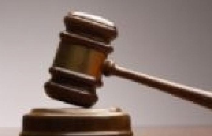 محكمة جزائرية تصدر أحكاما بسجن 12 شخصا بتهمة تهريب الأطفال والأجنة إلى فرنسا