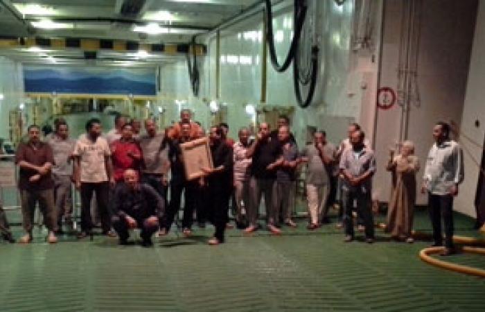 عاملو الملاحة البحرية يعلقون الاعتصام 48 ساعة بعد تفاوضهم مع الإدارة