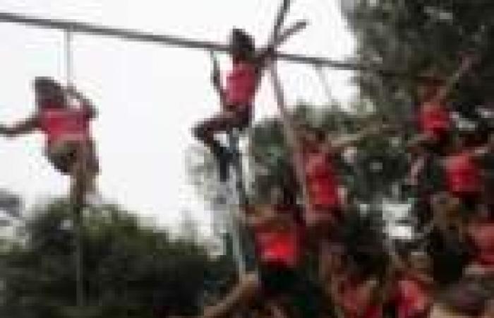 بالصور  احتفالات الرقص على العمود بالمكسيك