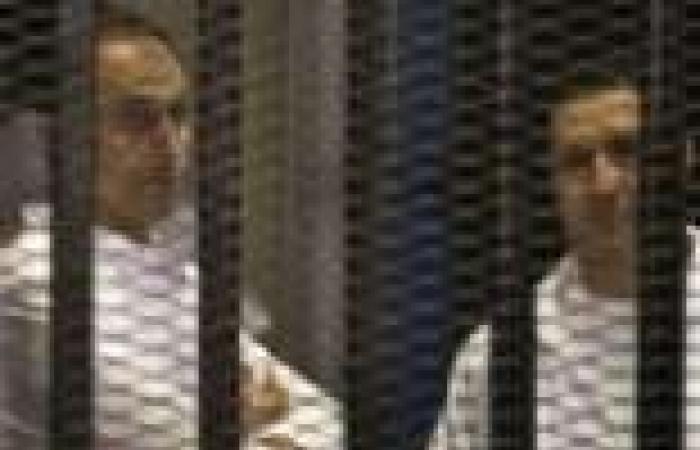 بدء جلسة محاكمة نجلي مبارك لاتهامهما بالتلاعب في البورصة