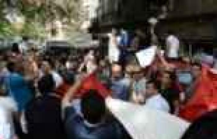 مسيرة التيار الشعبي تصل وزارة الثقافة
