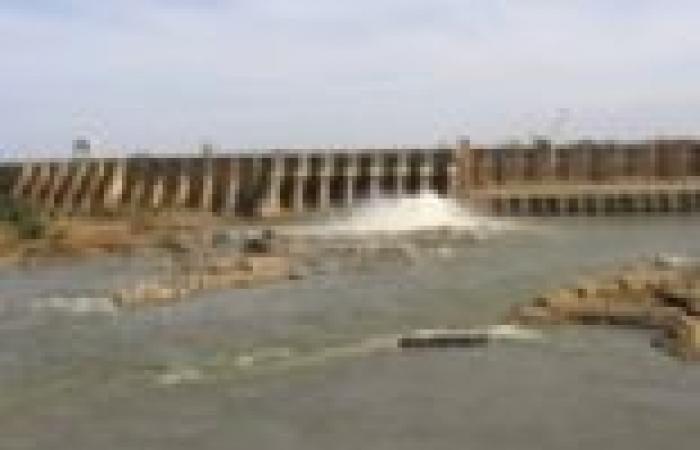 """صحفي إثيوبي: مصر تهدر الماء بمد """"المنتجعات"""" به.. ومنعه عن فقراء """"العشوائيات"""""""