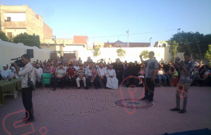 بالصور.. تكريم 70 تلميذا و40 قيادة تعليمية بمدرسة فى قصر رشوان بالفيوم