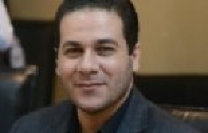 """مظهر شاهين: هل تسمح """"الأوقاف"""" بصعود معارض لمرسي على المنبر بدلا من العريفي"""
