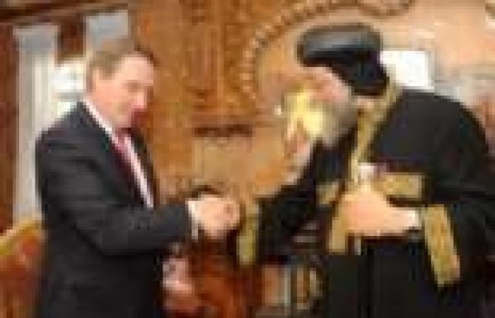بالصور.. سفير هولندا يلتقي البابا بالمقر الباباوي