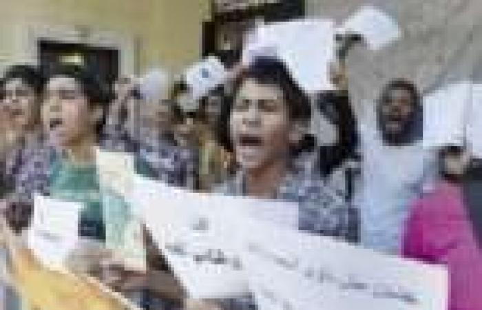«الغشاشون» يواصلون تسريب امتحانات الثانوية و«التعليم» تستعين بالأمن ضد مظاهرات «التلامذة»