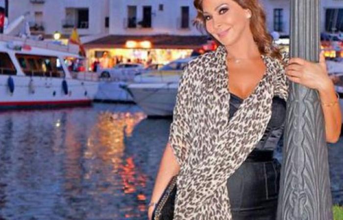 """إليسا في إجازة بين """"ماربيا"""" الإسبانية و""""فلورانسا"""" الإيطالية"""