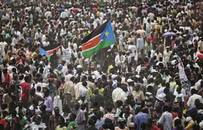 محتجوا المعارضة السياسية بالسودان يدعون للإطاحة بالبشير