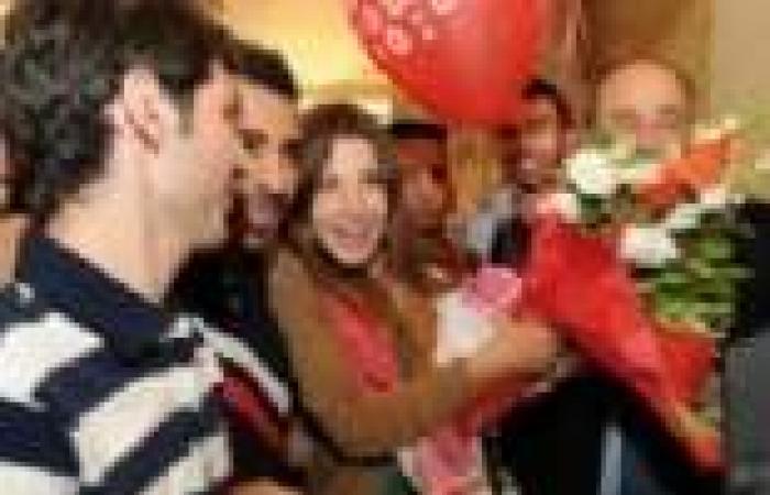"بالصور  عشاق نانسي عجرم يستقبلونها بالأردن قبل مهرجان ""جرش"""