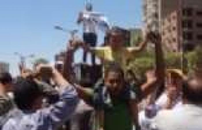 قيادات سياسية تطالب بطرد مسئولى الإخوان من مكاتب محافظة أسيوط قبل استيلائهم على أدلة إدانتهم