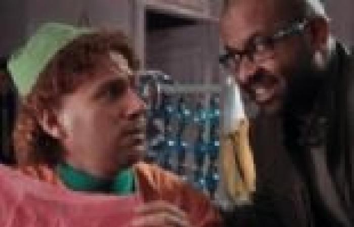 """الحلقة الثالثة من """"الكبير أوي"""": """"جوني"""" يلتقي أهل المزاريطة في مؤتمر صحفي.. و""""حزلقوم"""" يسبب له المتاعب"""