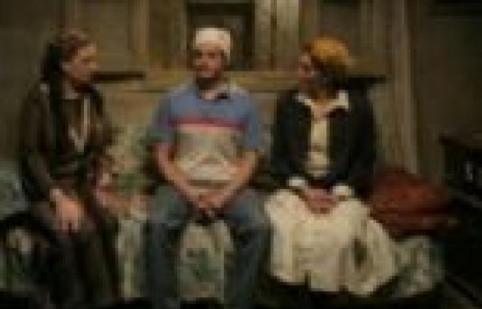 """الحلقة الثالثة من مسلسل """"بدون ذكر أسماء"""": عاطف وأبوه يرفضون زواج نوارة من معتمد"""
