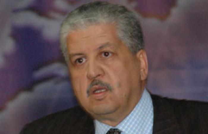 رئيس الوزراء الجزائرى يزور ليبيا قريبا