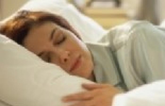 دراسة: الحرمان من النوم يؤدي إلى جوع أكبر لتعويض الطاقة