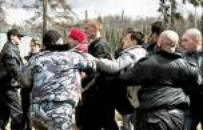 «حماة الأرض».. نشطاء يواجهون شبح الموت والاعتقال «دفاعاً عن البيئة»