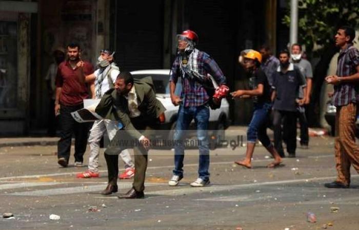 """حالة وفاة وعشرات الإصابات جراء الاشتباكات بين """"الإخوان"""" وأهالي الجيزة"""