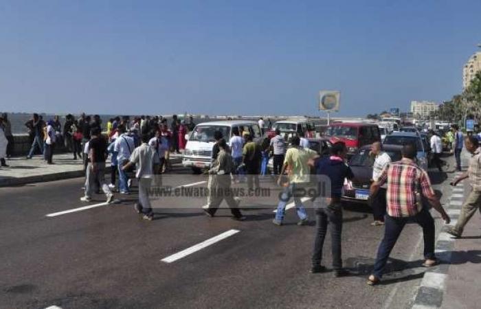 """قطع طريق كورنيش بالإسكندرية احتجاجا على فض اعتصامي """"رابعة"""" و""""النهضة"""""""