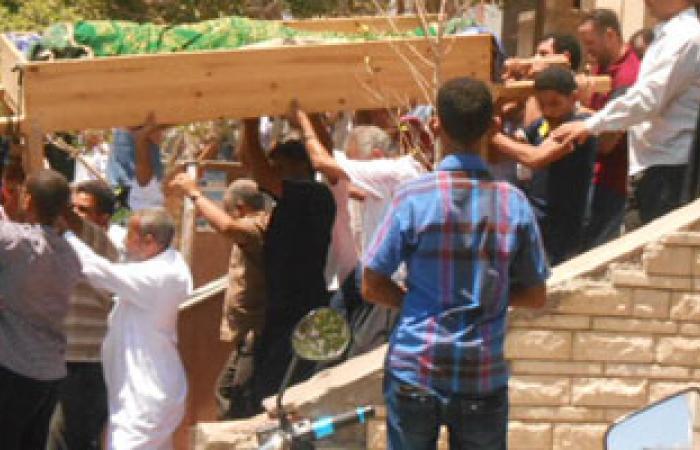 مشادات كلامية واشتباكات بالأيدى أثناء جنازة ضحية الغردقة