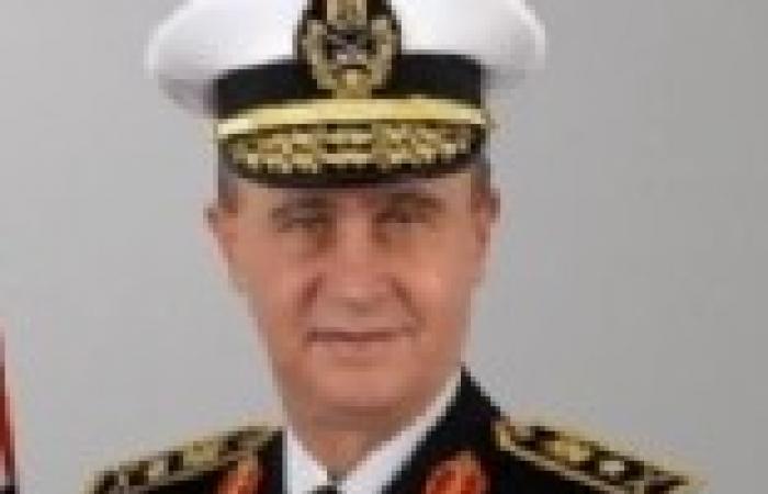القوات البحرية تنجح في إنقاذ 25 من طاقم السفينة الهولندية المحترقة بالقرب من خليج السويس