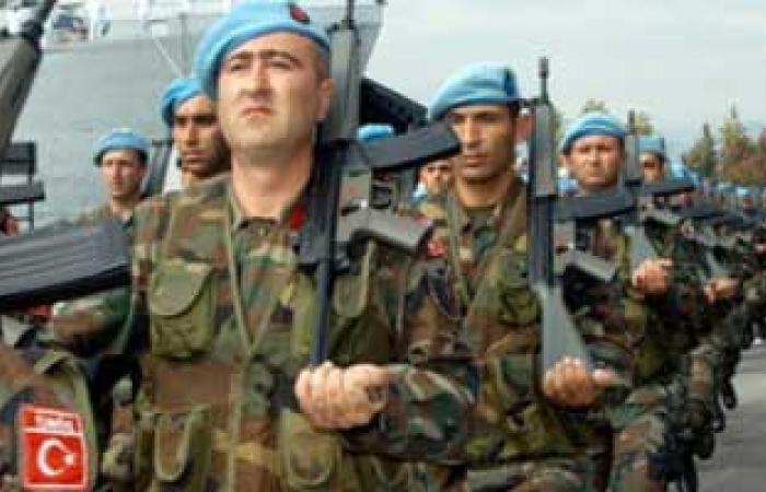 الجيش التركى يعزز وجوده على الحدود السورية