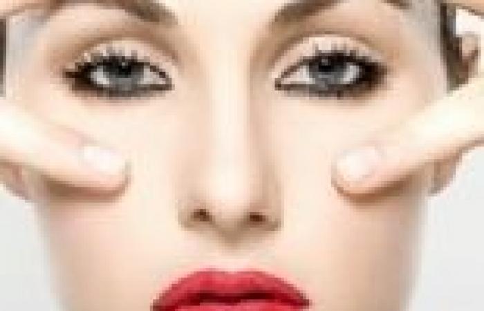 8 علاجات طبيعية من المنزل للعيون المنتفخة