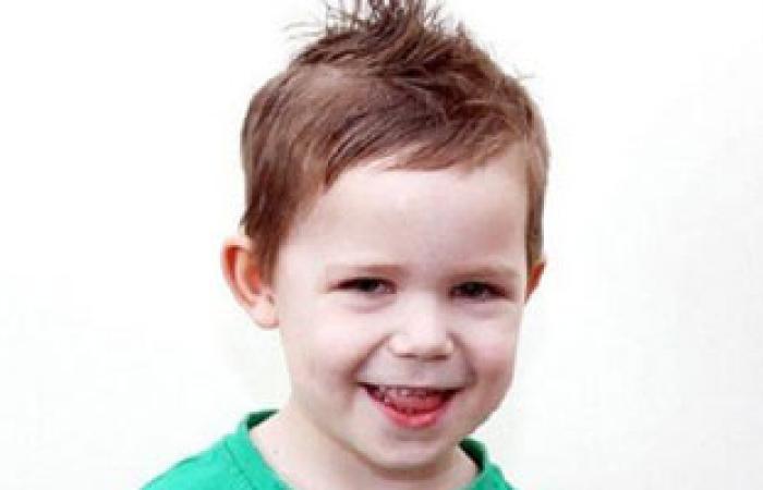 طبيب: حركات الأطفال غير الإرادية موروثة من الآباء
