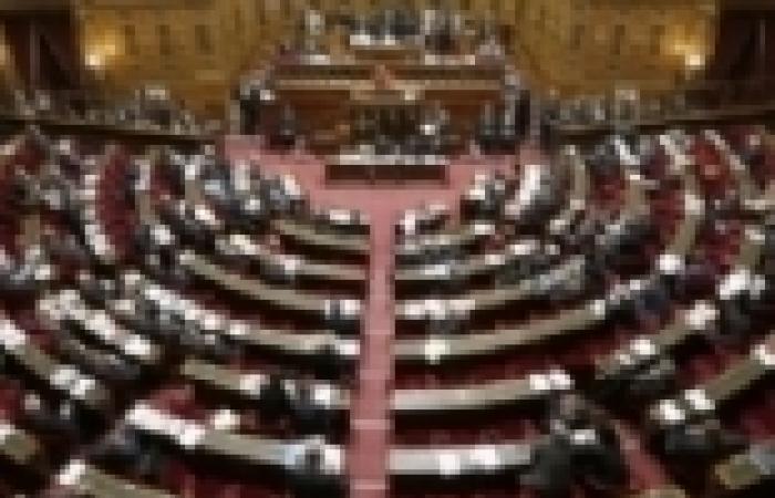 """وزير فرنسي: التصويت البرلماني بشأن ضرب سوريا ليس """"موضوعا محرما"""""""