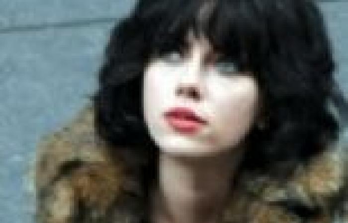 سكارليت جوهانسون تظهر في مقدمة تشويقية لفيلمها القادم Under The Skin