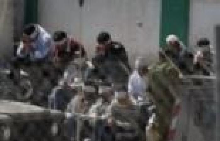 العفو الدولية تطالب السلطات المصرية بالإفراج عن 150 سوريا وفلسطينيا