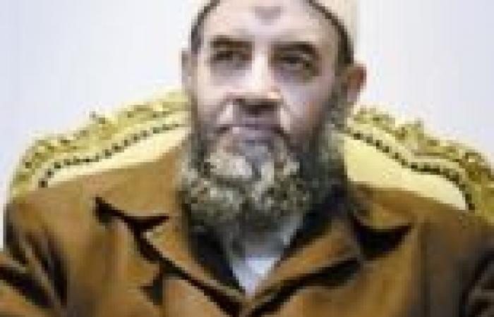 """يونس مخيون في ضيافة عماد الدين أديب في """"بهدوء"""""""