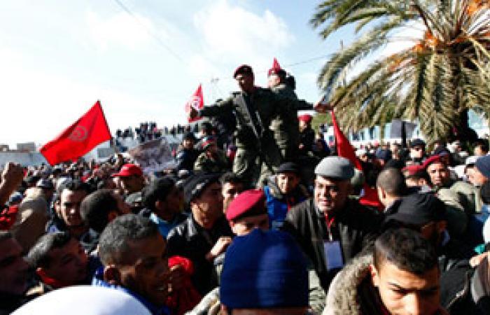اتحاد الشغل فى تونس يقرر تنظيم مسيرات فى البلاد للضغط على الحكومة