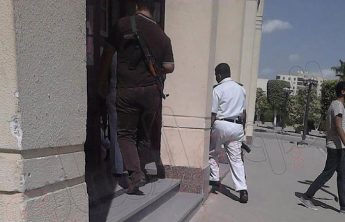 قوات الأمن تتواجد فى حرم معهد مدينة الثقافة والعلوم بأكتوبر