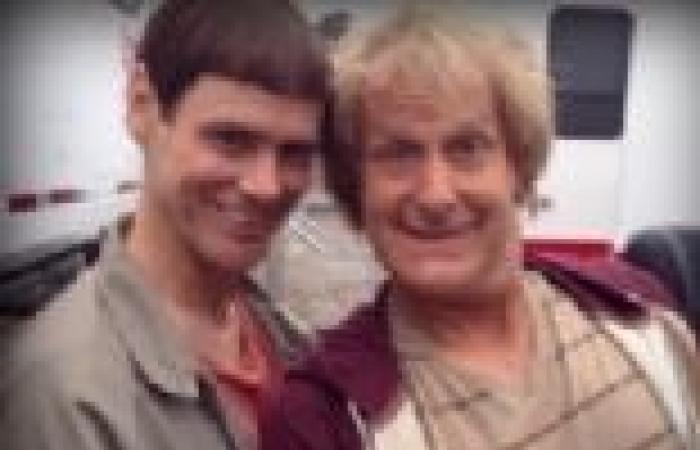 """جيم كاري وجيف دانيلز يطرحان صورتان جديدتان للجزء الثاني من """"غباء × غباء"""""""